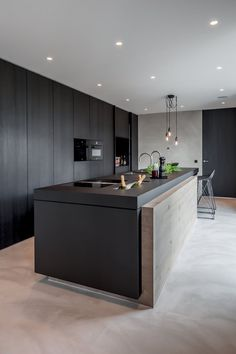 Island inspiration, black kitchen with feature panel, stunning, contemporary design - by Thomassen Interieurs