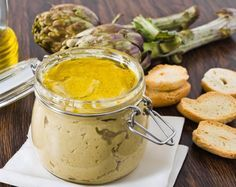 This butter spread is quick and easy to make. Butter with the taste of olive oil is a treat on rolls and bread sticks. Artichoke Pesto Recipe, Pesto Dip, Antipasto, Olive Oil Butter, Caviar D'aubergine, Hummus, Homemade Butter, Dip Recipes, Mousse