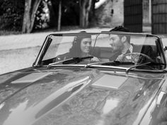 Reportage di nozze di Serena & Marco di Riccardo Bestetti Wedding Car, Wedding Couples, Just Married, Black And White Photography, Classic Cars, Wedding Photography, Black White Photography, Wedding Shot, Vintage Classic Cars