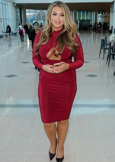 Lauren Goodger Chose A Skintight Red Dress For Her Outing   #LaurenGoodger #RedDress #CocktailDress