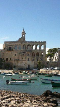 la meravigliosa Abbazia Benedettina di San Vito, Polignano a Mare,....tranquillità durante tutto l'anno!