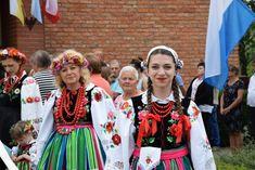 Powitanie ikony MB Częstochowskiej w parafii MB... Popular, Madonna, Costumes, Traditional, People, Dresses, Style, Fashion, Vestidos
