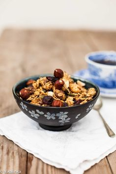 Black Forest Granola-rolled oats, dried cherries, bits of chocolate and hazelnuts. All the flavours of your favourite dessert in your morning granola.