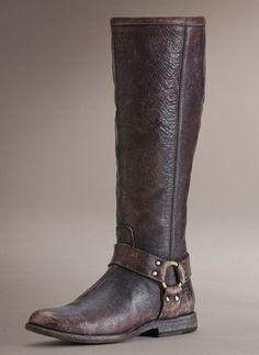 Equestrian style in brown...
