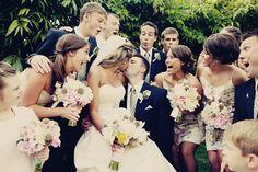 Un mariage dans la grange: Rassemblement pour les photos de groupe !