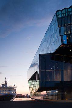 Harpa - Reykjavik Concert Hall and Conference Centre :: Henning Larsen Architects Building Museum, Walt Disney Concert Hall, Henning Larsen, Interior Architecture, Public Architecture, Architecture Diagrams, Architecture Portfolio, Amazing Architecture, Interior Design