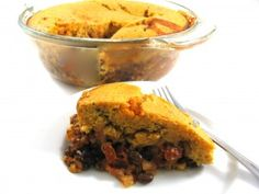 Fabulous, Skinny Tamale Pie! This is one of my very favorite Mexican-style casseroles. Cinco de Mayo is coming up and this would be perfect to make. Each delicious serving has 389 calories and 8.6 grams of fat plus 5 grams of fiber. http://www.skinnykitchen.com/recipes/fabulous-skinny-tamale-pie/