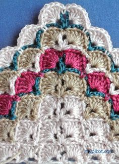 @ MyPicot - Free crochet pattern - stitch pattern for triangle shawl Picot Crochet, Crochet Afgans, Crochet Motifs, Crochet Stitches Patterns, Crochet Squares, Knit Or Crochet, Crochet Shawl, Crochet Crafts, Crochet Projects