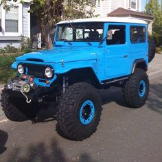 "Toyota ""Fj40"" Land Cruiser J40 is the model designation for a Toyota Land Cruiser 40 series made from 1960 until 1984. Most 40 series Land Cruisers were built as 2-door SUVs with slightly larger dimensions than a Jeep CJ. -"