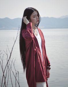 """Mới đây, cộng đồng mạng Trung Quốc lại xao xuyến trước vẻ đẹp ma mị đậm chất   liêu trai của một hot girl bán hàng online và ca ngợi là """"nữ thần"""". Cô gái tên là Hà   Lâm, sinh năm 1997, đang sống tỉnh Chiết Giang, Trung Quốc."""