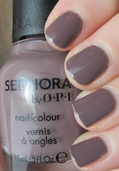 Nail of the week: Sephora by OPI Metro Chic. These pretty nails are not mine, but this picture comes closest to how this looks on my nails in office lighting.