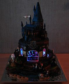 Light-up Hogwarts cake