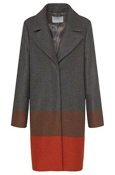 A relaxed fit and twill weave nod to menswear inspiration in this smart BOSS coat. Wool and cashmere provide consummately soft warmth.