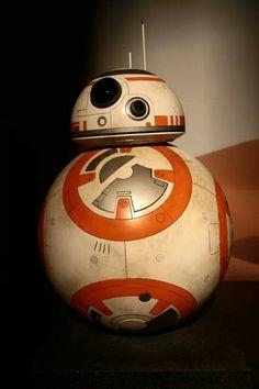"Star Wars ""The Force Awakens"" Droid Star Wars, Anakin Skywalker, Good Movies, Science Fiction, Iron Man, Darth Vader, Superhero, Stars, Wallpaper"