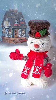 Crochet Christmas Decorations, Christmas Crochet Patterns, Holiday Crochet, Crochet Toys Patterns, Merry Christmas Gif, Christmas Crafts, Christmas Ornaments, Crochet Snowman, Handmade Christmas Gifts