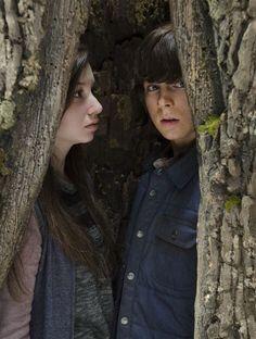 """The Walking Dead Season 5 Episode 15 """"Try"""" Carl in a tree"""