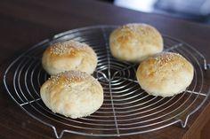 Burger Brötchen selber machen - Rezept für leicht süßliche Variante