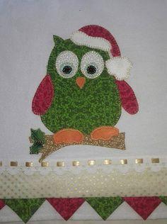 Panos de prato com estampas de natal ,lindos para sua casa ou para presentear de forma barata e criativa feitos em sacaria e tecido tricoline ,bordado com fio dourado,feito com muito amor.