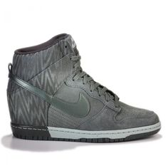 new concept be8f3 01946 Nike Wmns Dunk Sky Hi Print Dark Mica Green