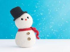 Cute little Snowman Crochet Snowman, Easter Crochet, Cute Crochet, Christmas Toys, Christmas Deco, Christmas Projects, Popular Crochet, Crochet Home Decor, Crochet Winter
