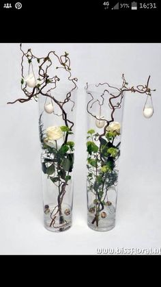 unusual easter roses and eggs decoration ~ Leuke vazen met Pasen… Deco Floral, Arte Floral, Wedding Decorations, Christmas Decorations, Christmas Arrangements, Christmas Ideas, Ikebana, Easter Crafts, Flower Designs