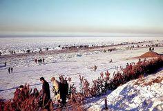 Noordzee bevroren branding winter 1963