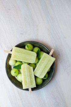 Honeydew Mint Ice Pops. Yes please!