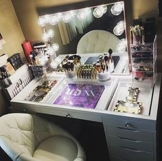 SLAY ALERT!  Major goals and major savings during our 4th of July SALE! Save some  on our Slay Station table top and SO MUCH MORE! Items are up to 47% OFF! Shop the link in our bio! @lizzvaldez90's beyond gorgeous setup includes our #ImpressionsVanityGlowPlus #SwivelChair and #SlayStation