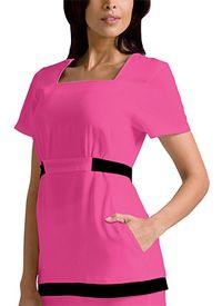 Interesting look with these pink scrubs! Nursing Articles, Work Uniforms, Nursing Uniforms, Cute Scrubs, Nurse Costume, Body Shapes, Style Guides, Work Wear, Scrubs Uniform