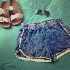 ⚡️Flash Sale!⚡️ Cute shorts! These are a really cute pair of shorts! Perfect for a Summer day at the beach or pool! Selling them because I simply don't use them. I only wore them once and there just been sitting in my closet.  Get a extra 15% off when you bundle 2 or more items!!! Derek Heart Shorts Jean Shorts