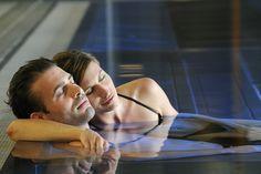 Hallenbad #ritzenhof #spaamsee #erholung #schwimmen #urlaub #genießen #paar #romantik Sauna, Hotel Spa, Wrestling, Recovery, Swimming, Couple, Vacation, Lucha Libre
