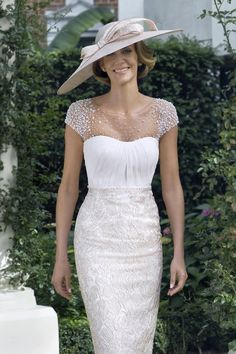 See the latest collections for mother-of-the-bride outfits, from glamorous dresses Mother Of The Bride Fashion, Mother Of Bride Outfits, Mother Of Groom Dresses, Mothers Dresses, Mother Bride, Mother Of The Bride Dresses Knee Length, Mother Of The Bride Hats, Mob Dresses, Bridesmaid Dresses