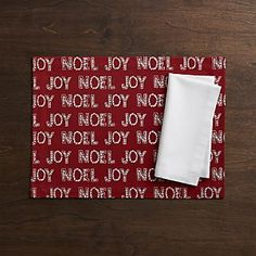 Tidings Placemat and Fete White Napkin