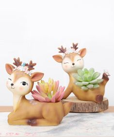 Discover recipes, home ideas, style inspiration and other ideas to try. Succulent Pots, Succulents, Succulent Containers, Container Flowers, Container Plants, Clay Projects, Clay Crafts, Vinyl Siding Colors, Home Decor Hooks