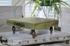 Rustic Trays Farmhouse Style Easy and Fun to Make is part of Rustic tray - Rustic trays farmhouse style made out of regular lumbar fun and easy to make! Rustic Decor, Farmhouse Decor, Farmhouse Style, Farmhouse Plans, Rustic Style, Painted Furniture, Diy Furniture, Cabin Furniture, Shabby