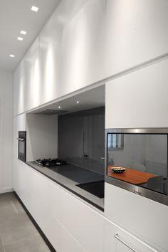 Black Kitchen Island, Grey Kitchen Cabinets, Norwegian House, Kitchen Decor, Kitchen Design, Modern Kitchen Interiors, Architecture Design, Black Kitchens, Home Deco