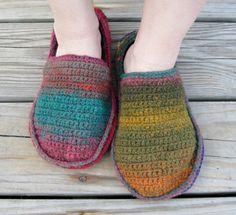 #29 Crochet Slippers pattern by Yoko Hatta (風工房)