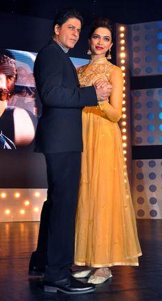 Shahrukh Khan & Deepika Padukone on the sets of 'Madhubala: Ek Ishq Ek Junoon' #Bollywood #Fashion