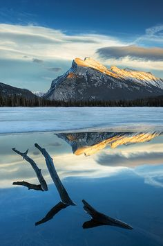 The Second Vermilion Lake with Mount Rundle and the Fairholme Range, Banff National Park, Alberta, Canada | Darwin Wiggett