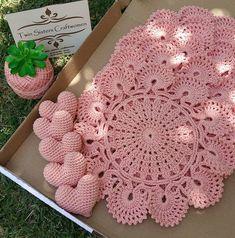 ideas for crochet afghan wedding doily patterns Crochet Afghans, Crochet Placemats, Crochet Doily Patterns, Crochet Shawl, Crochet Doilies, Crochet Flowers, Crochet Home, Crochet Crafts, Crochet Projects