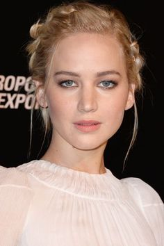 Jennifer Lawrence at Mockingjay premiere in Paris♥