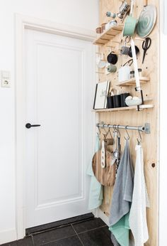 kitchen rack of underlayment Interior, Diy Furniture, Home, Diy Interior, Diy Organisation, Home Kitchens, Home Diy, Diy Kitchen, Kitchen Design