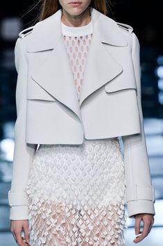 layered white fashion details // Balenciaga details Highlights From Day 2 of Paris Fashion Week Fashion Week Paris, Trend Fashion, Fashion Details, Look Fashion, Runway Fashion, Fashion Show, Fashion Design, Ss15 Fashion, Fashion Weeks