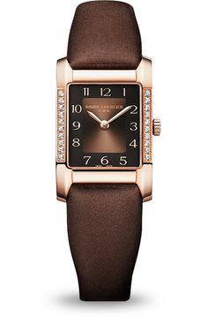 Your style won't go unnoticed when you flash the Baume & Mercier #Hampton 10093's red gold and shimmering satin.