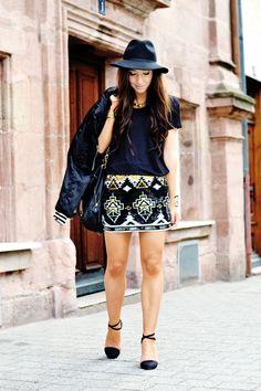 sequin mini skirt     http://www.flirting-with-fashion.blogspot.com