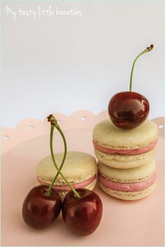 Französische Macarons mit Kirsch-Frischkäse-Füllung // french macaron recipe
