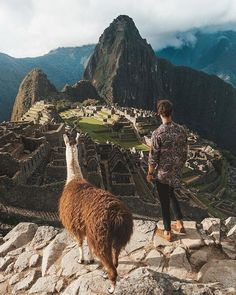 Machu Picchu in Peru. Machu Picchu is an Incan citadel set high in the Andes Mountains in Peru, above the Urubamba River valley. Peru Ecuador, Cusco Peru, Peru Travel, Travel Abroad, Wanderlust Travel, Tour Machu Picchu, Machu Picchu Inca Trail, Huayna Picchu, Inka