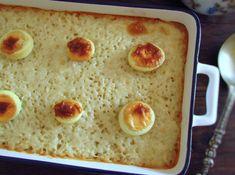 Carne picada com arroz e ovo no forno Portugal, Pudding, Bread, Ethnic Recipes, Desserts, Food, Egg Yolks, Pot Pie Crusts, New Recipes