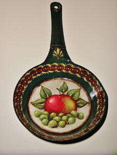 antique frying pan