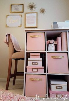 How to Paint Fabric Storage Bins {Tutorial} How to Paint Fabric Sto. - How to Paint Fabric Storage Bins {Tutorial} How to Paint Fabric Sto… Stofflagerplä - Decorative Storage Bins, Fabric Storage Boxes, Paint Storage, Fabric Boxes, Craft Room Storage, Bedroom Storage, Diy Storage, Craft Rooms, Storage Ideas